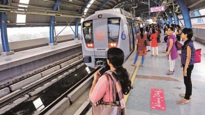 Man held with over Rs 14L 'suspicious' cash at Delhi Metro station