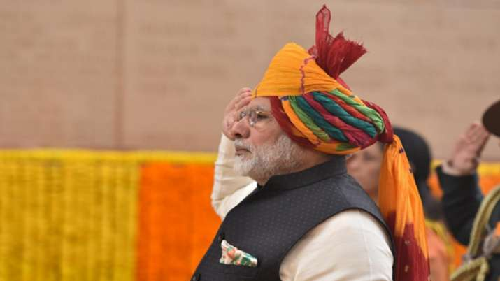 India Tv - PM Modi once again sported a colourful pagdi during Republic Day celebrations in 2018