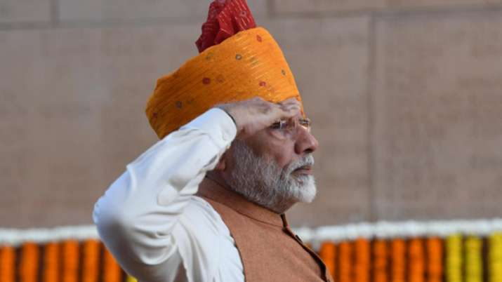 India Tv - PM Modi during Republic Day celebrations in 2019, continued wearing a pagdi while attending R-Day parade at Rajpath in New Delhi