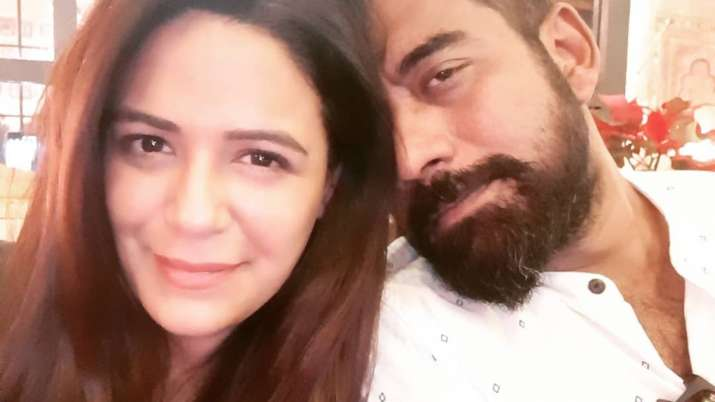 Mona Singh S First Picture With Husband Shyam After Marriage Is All Things Love Tv News India Tv Now the actress has shared her first selfie with husband shyam on social media. husband shyam after marriage