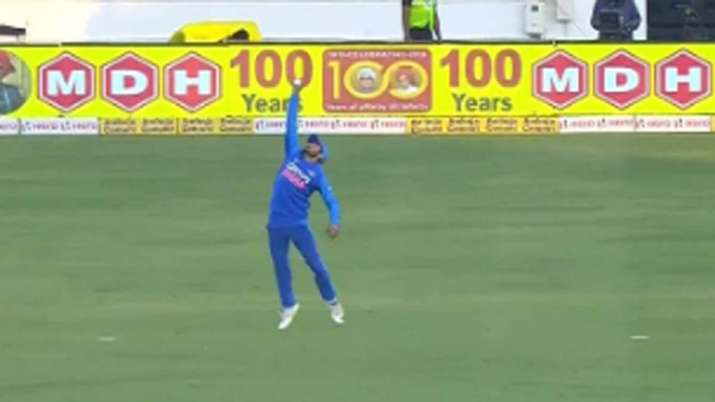 Manish Pandey takes a stunner in 2nd ODI to dismiss David