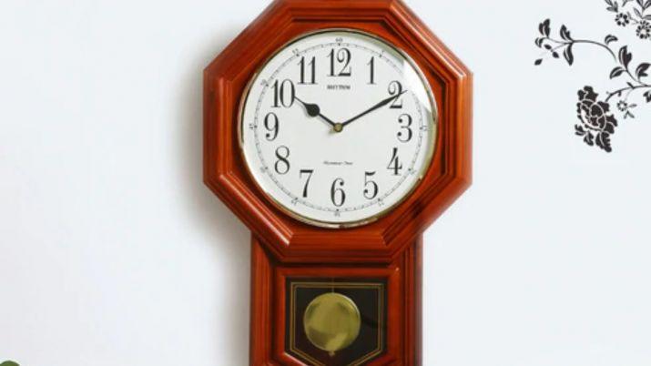 Vastu Tips for home: Hanging pendulum clock brings positive