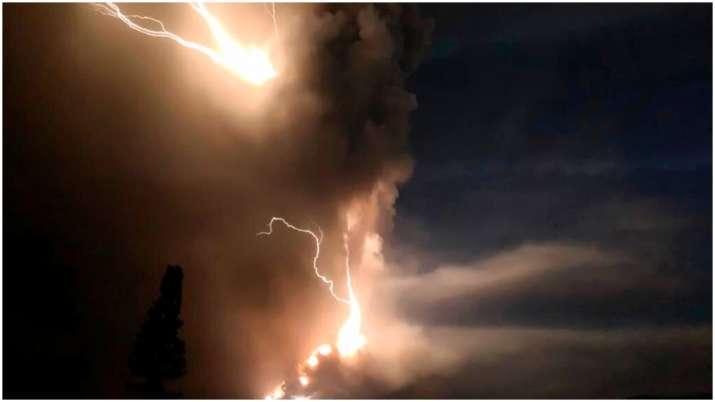 Philippines Taal volcano eruption