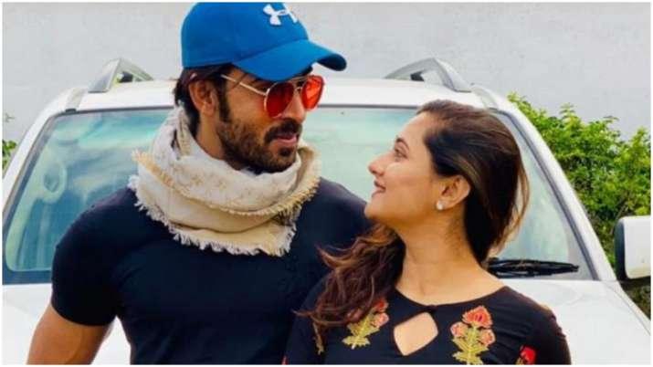 Bigg Boss 13: Arhaan Khan shares heartfelt message for Rashami Desai, calls her the 'strongest soul'