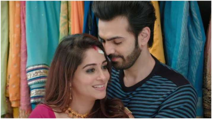 Kahaan Hum Kahaan Tum: Romance is in the air for Rohit and