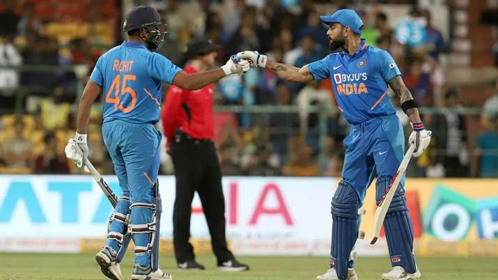 Rohit Sharma and Virat Kohli during 3rd ODI