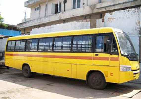 Crude bombs hurled at school bus in Prayagraj; 2 students injured