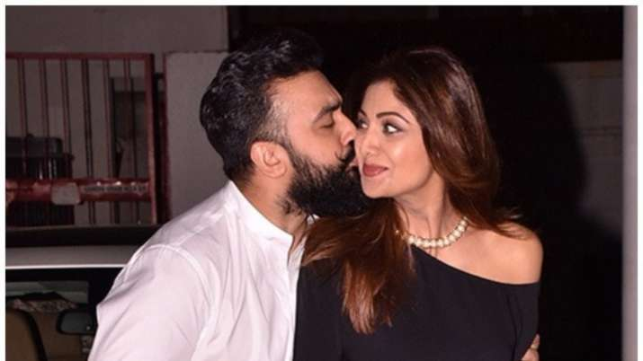Shilpa Shetty's husband Raj Kundra calls her 'BBC - Born Before Computers'