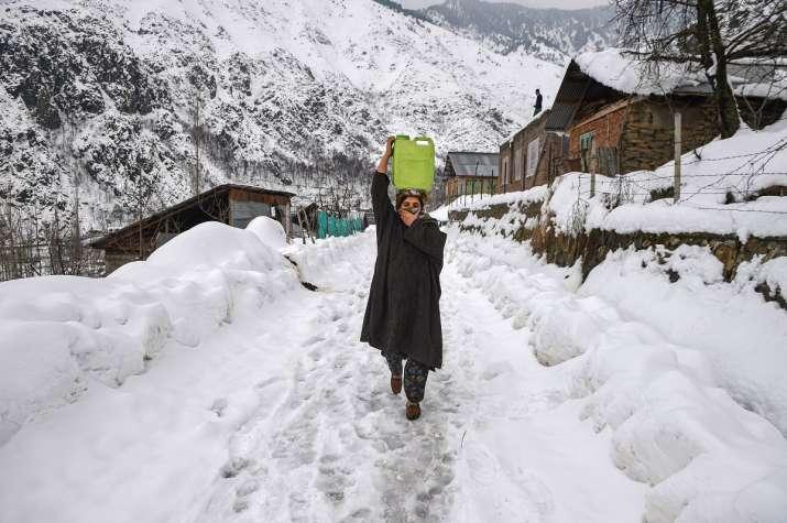 India Tv - snowfall