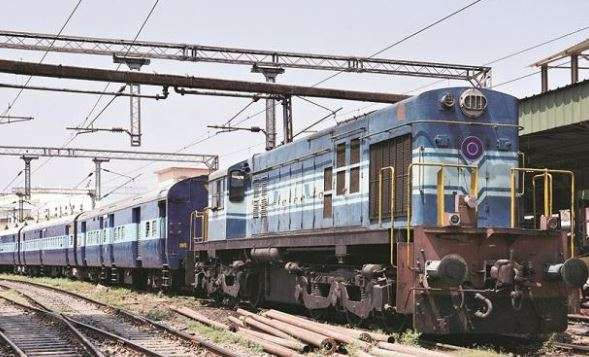 Niti Ayog plans 15-minute head start, max speed of 160kmph, own guard, crew in private trains