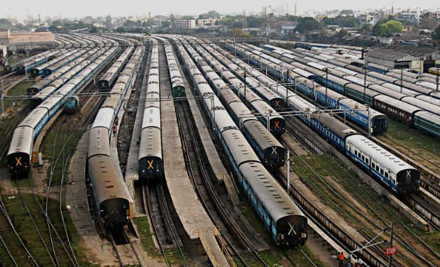 Niti Aayog moots Rs 22,500-crore plan for private trains on 100 routes
