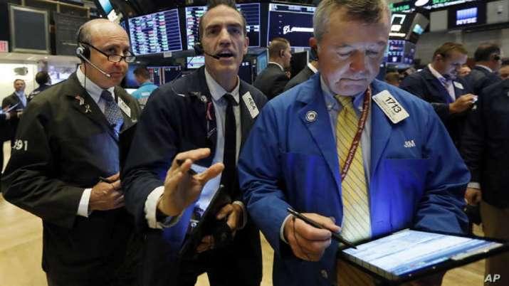 US stocks decline amid soft jobs data