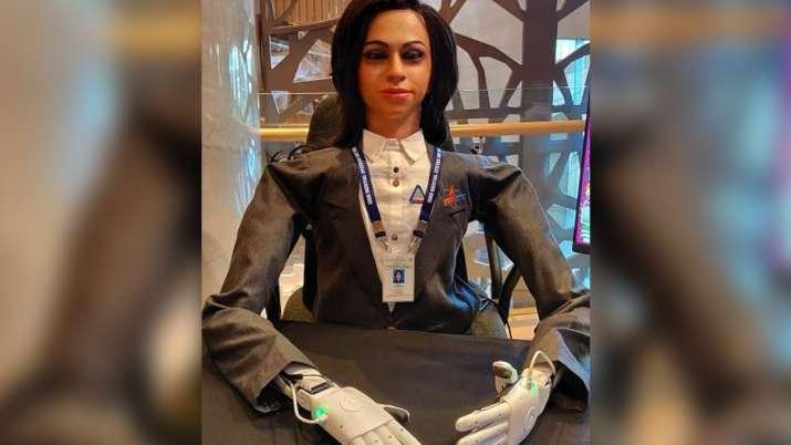 Vyomamitra robot, Vyomamitra gaganyaan mission, robot Vyomamitra, Vyomamitra gaganyaan, talking lady