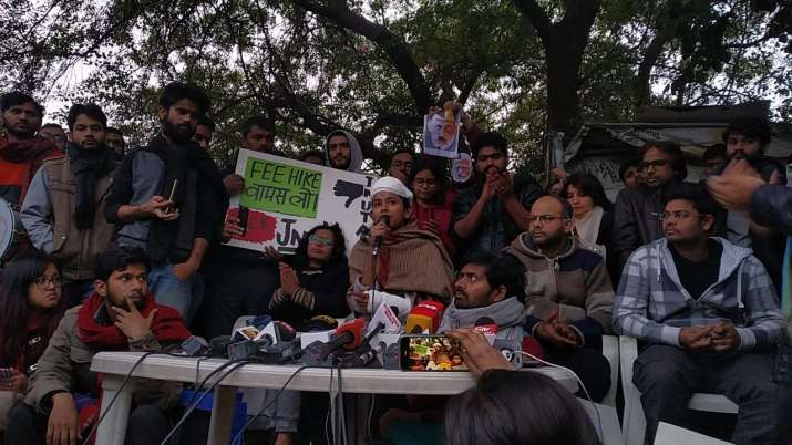 India Tv - JNUSU President Aishe Ghosh addressing the media