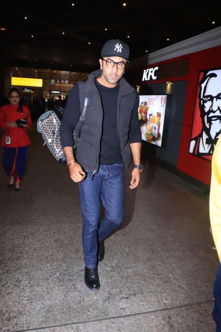 India Tv - Ranbir Kapoor at airport