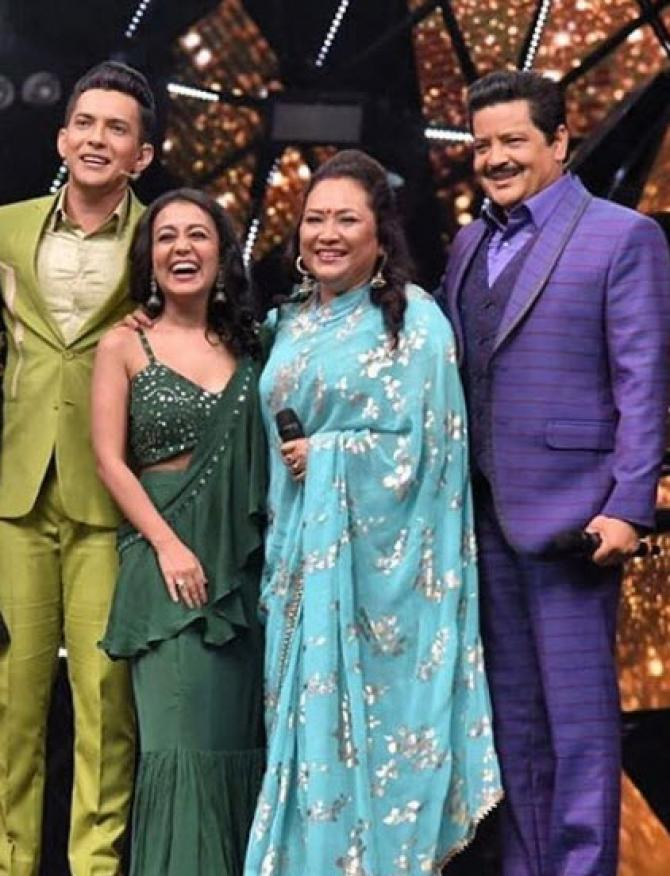 Neha Kakkar Aditya Narayan To Get Married In Real Udit Narayan Has Something To Say Tv News India Tv