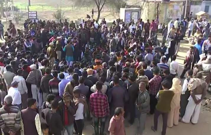 Family members of Delhi Police Head Constable Rattan Lal demand martyr status
