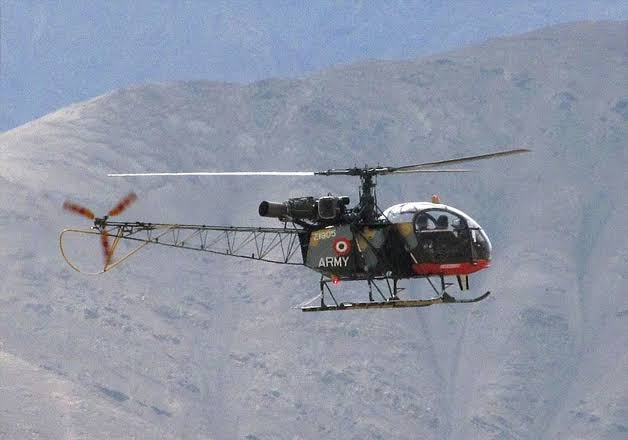 Indian Army, Cheetah helicopter crashes in Jammu