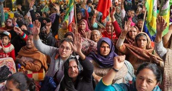 Muslim women protesting in Shaheen Bagh to meet Amit Shah on Sunday
