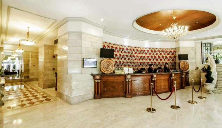 4 five-star hotels in Mumbai receive bomb threat