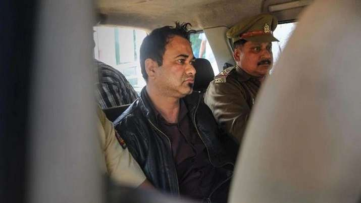 Police detain students marching towards UP Bhawan demanding Kafeel Khan, Tahir Madni's release