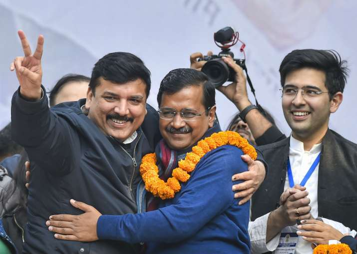 Arvind Kejriwal calls closed door meeting post results
