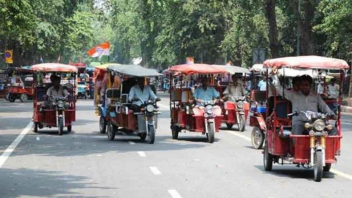 Free toto rides for poor students in Siliguri on Madhyamik examination days