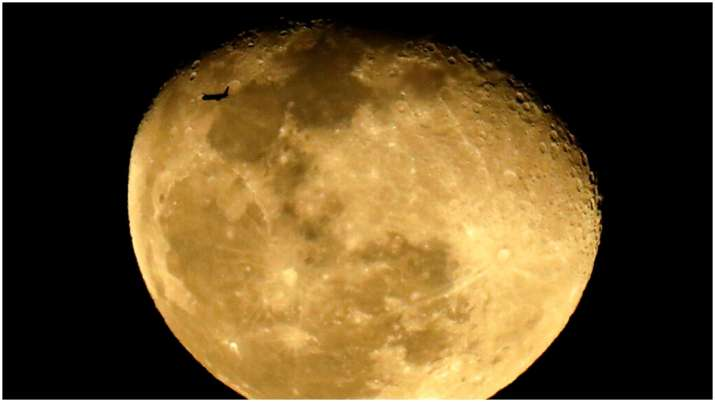 NASA hiring more astronauts to explore Moon, Mars