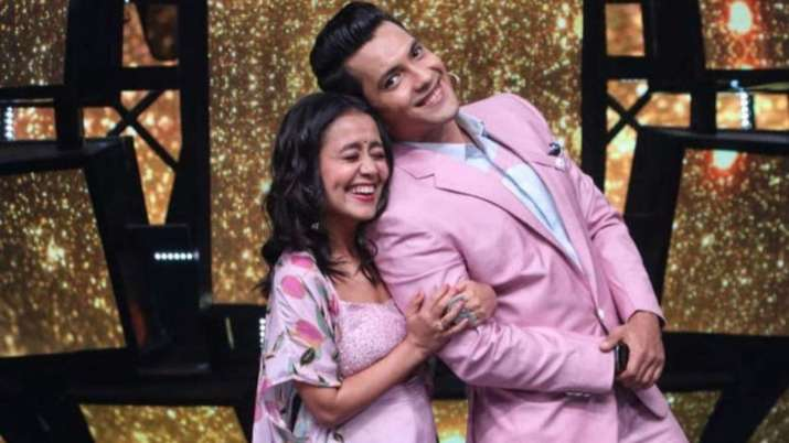 Indian Idol 11: Neha Kakkar to get special surprise from Aditya Narayan after brother Tony's announc