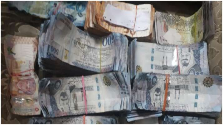 Foreign currency worth Rs 45 lakh inside food items seized