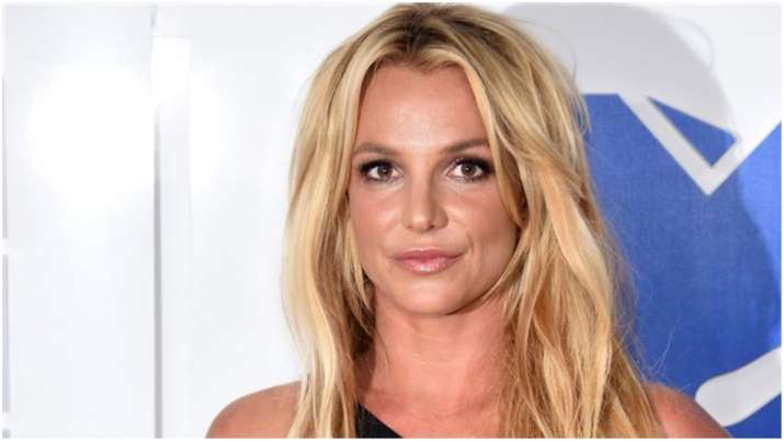 Britney Spears Gets Injured While Dancing Celebrities News India Tv
