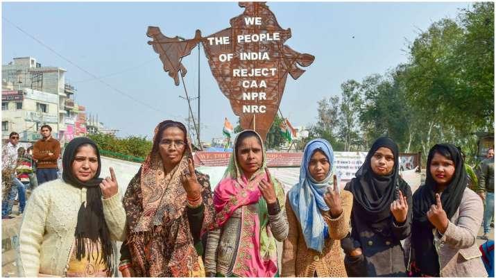 Shaheen Bagh, Jamia Nagar celebrate AAP's Delhi triumph; offer free food, biryani