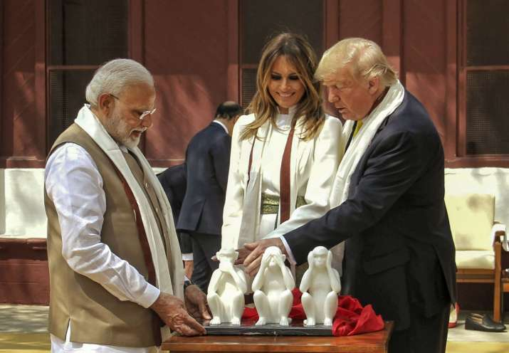 India Tv - Prime Minister Narendra Modi presents a memento of 'Three Wise Monkeys' to US President Donald Trump as First Lady Melania Trump look