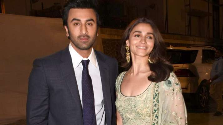 India Tv - Ranbir Kapoor-Alia Bhatt to get married in December 2020