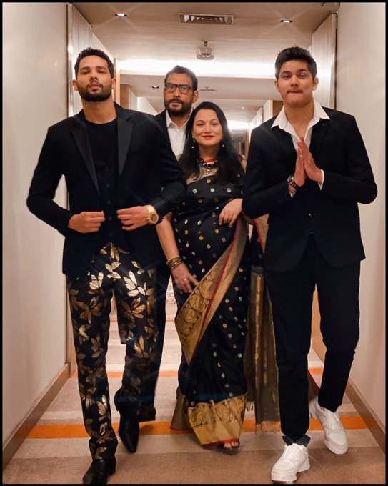 India Tv - Siddhant Chaturvedi strikes a pose with his family