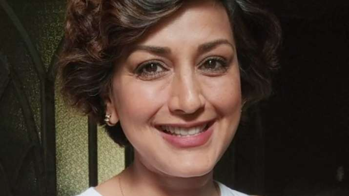 Sonali Bendre writes 'Note To Self' on World Cancer Day