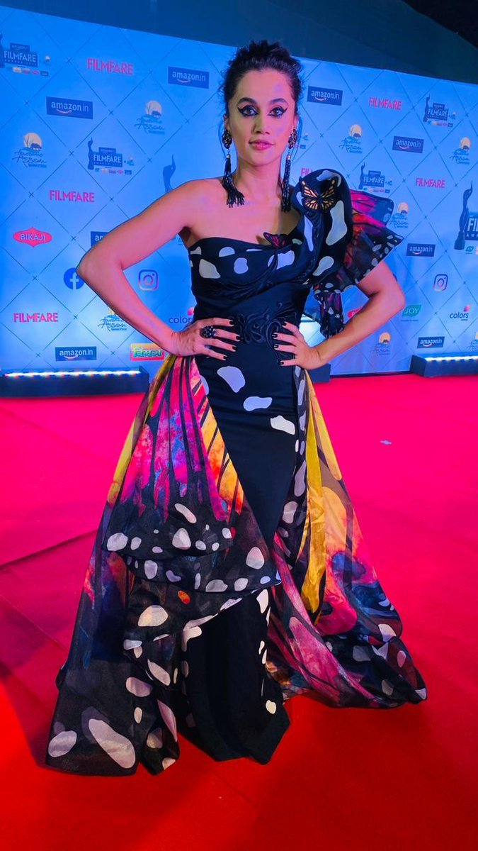 India Tv - Taapsee Pannu turns heads with her vibrant look