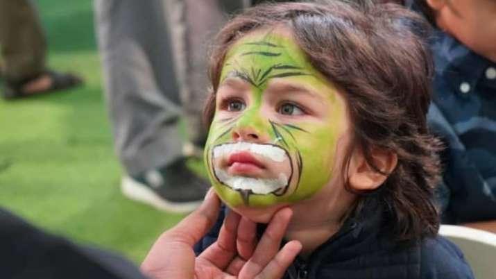 Taimur Ali Khan paints his face at Karan Johar's kids Yash-Roohi's birthday party