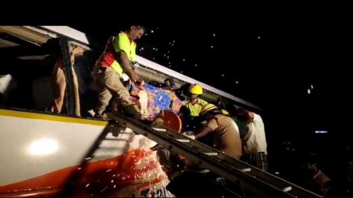 India Tv - 19 dead, Tamil Nadu bus accident, Bengaluru-Ernakulam bus meets with accident
