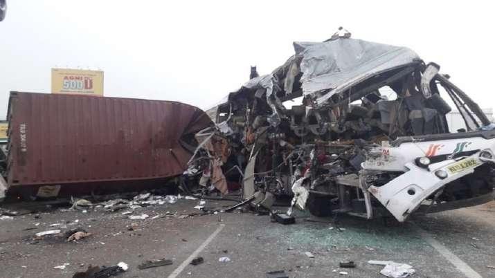 Tamil Nadu bus accident, Bengaluru-Ernakulam, bus truck collision