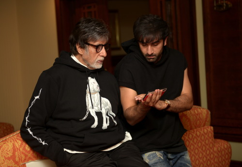 India Tv - It's bonding time for Amitabh Bachchan and Ranbir Kapoor