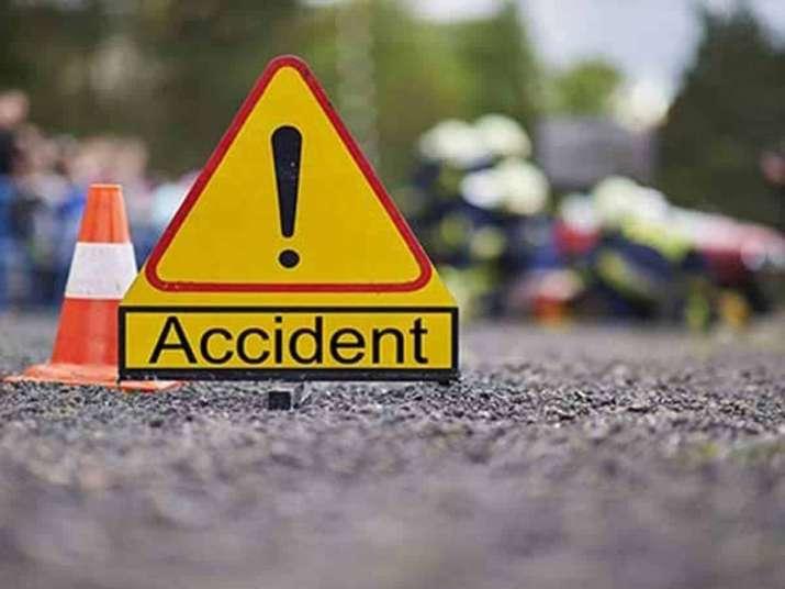 दर्दनाक सड़क हादसा: खाई में गिरी कार, ACC कंपनी के कर्मचारी की मौत