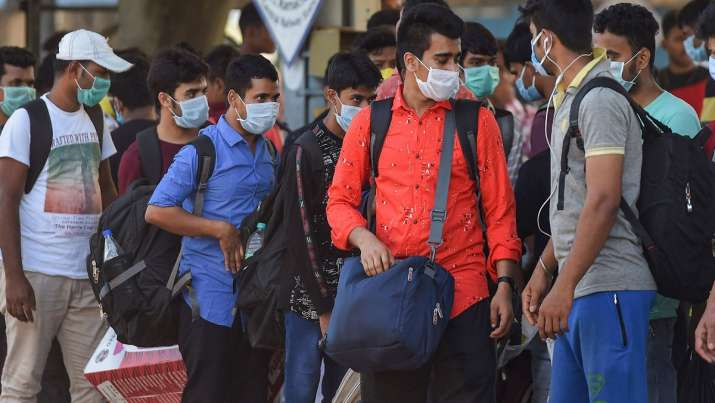 Coronavirus scare: Man beaten up for not wearing mask, sneezing in public  in Maharashtra | India News – India TV