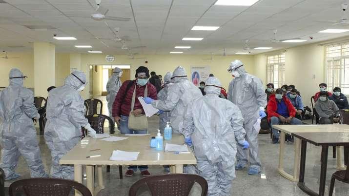 Govt expands compulsory quarantine for passengers coming from UAE, Qatar, Oman & Kuwait