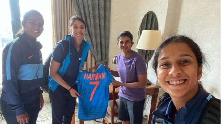 The Indian jersey that was gifted to Siriwardene bore name