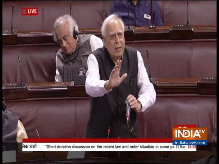 Kapil Sibal makes stunning admission: Not saying that CAA will take away citizenship https://www.ind