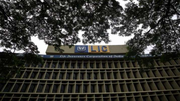 LIC may be roped in rescue scheme for Yes Bank
