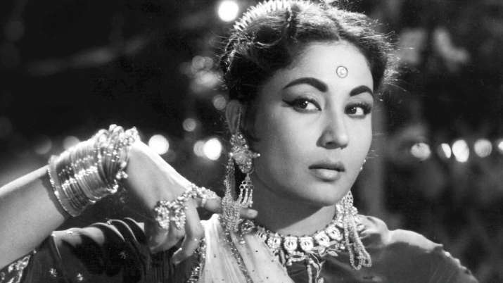 Remembering Meena Kumari on her death anniversary with her beautiful melodies