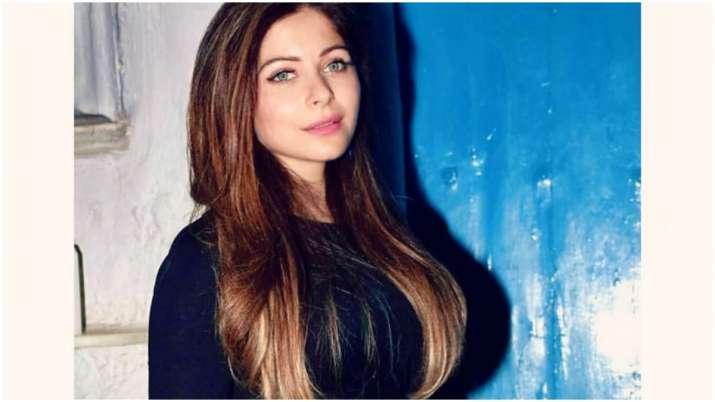 Kanika Kapoor tests positive for coronavirus again, 'Stop wasting kits', says Twitter