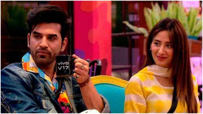 Bigg Boss 13 fame Mahira Sharma reacts to link-up rumours with Paras Chhabra